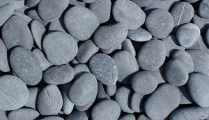 Pebbles_Black-1000x575